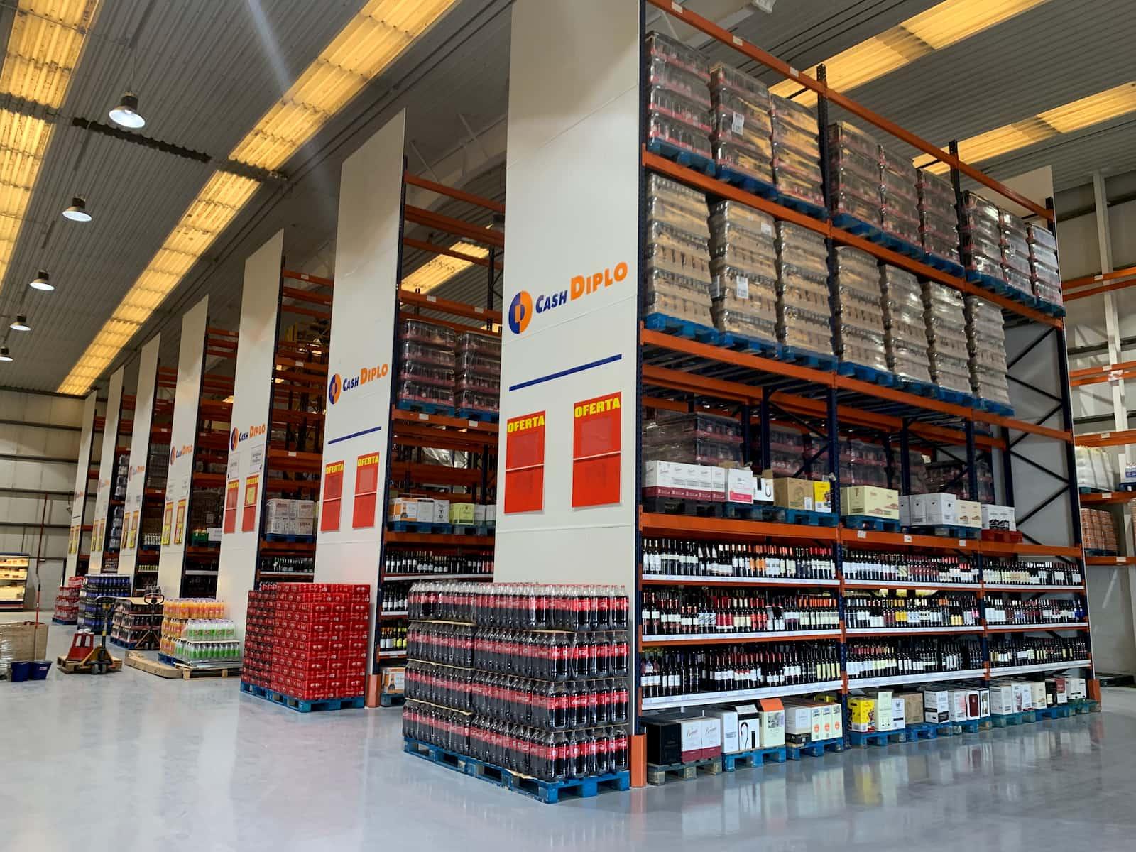 Instalación de mobiliario y equipamiento comercial - Noirrac